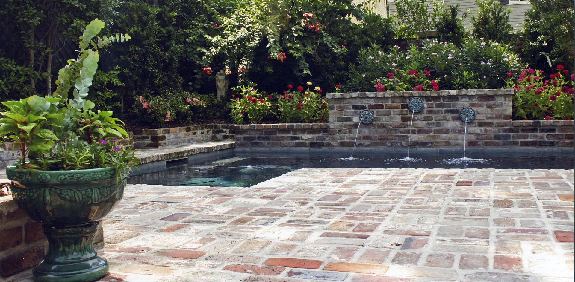 brick-patio-pool_gobe_2