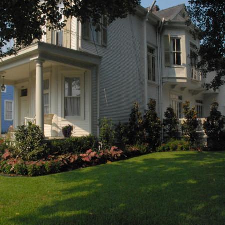 residential landscape garden